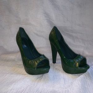Hunter Green Bamboo Heels